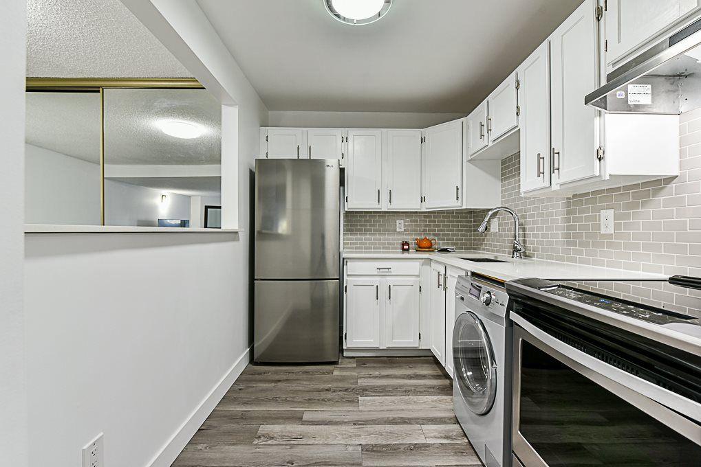 Main Photo: 3217 13827 100 Avenue in Surrey: Whalley Condo for sale (North Surrey)  : MLS®# R2340132