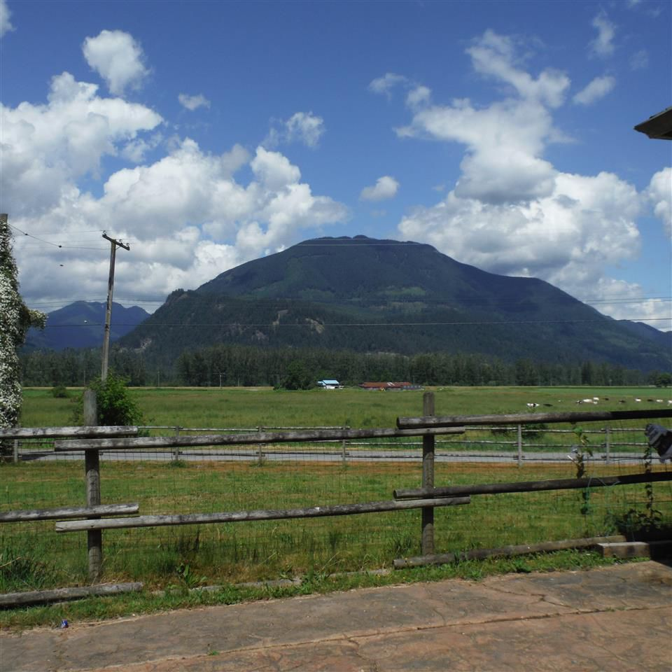Photo 13: Photos: 8552 THOMPSON Road in Mission: Dewdney Deroche House for sale : MLS®# R2354539