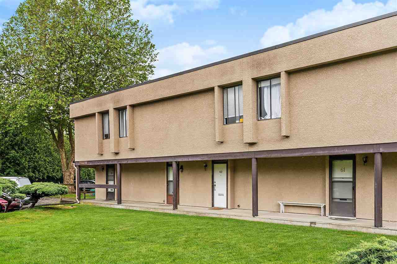 """Main Photo: 60 17710 60 Avenue in Surrey: Cloverdale BC Townhouse for sale in """"Clover Park Gardens"""" (Cloverdale)  : MLS®# R2386109"""