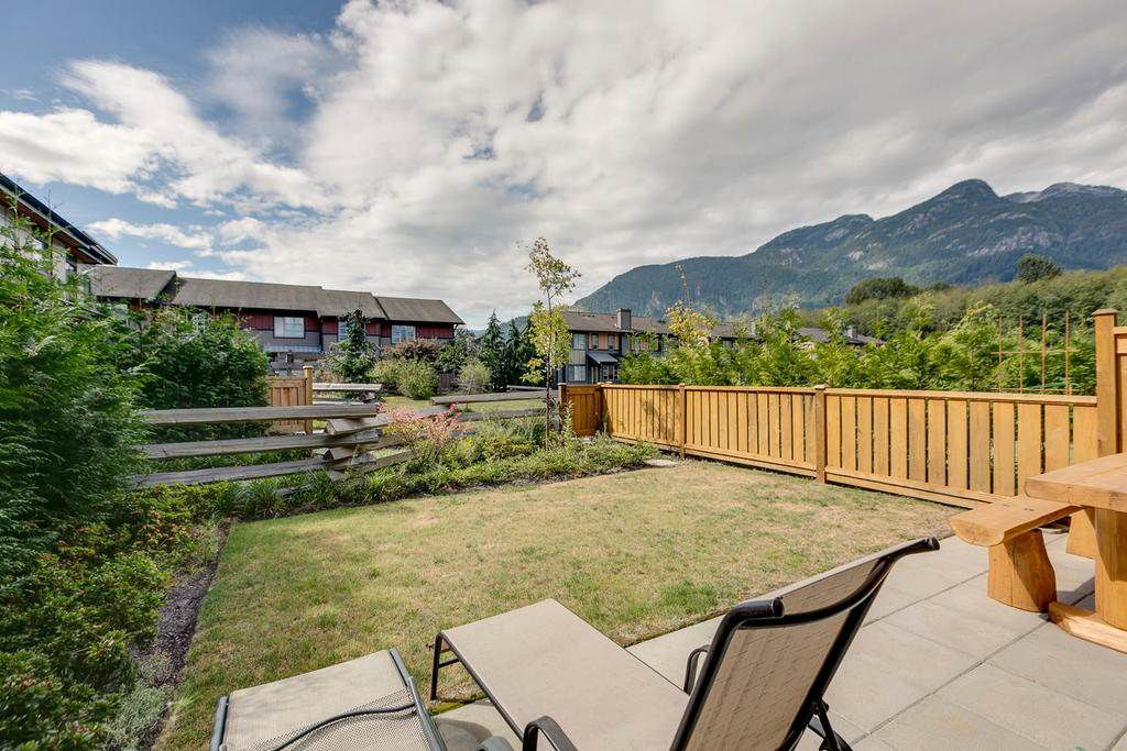 "Main Photo: 1149 NATURE'S GATE Crescent in Squamish: Downtown SQ Townhouse for sale in ""Natures Gate"" : MLS®# R2104476"