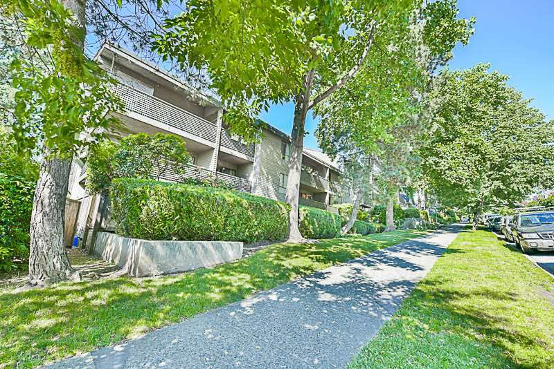 """Main Photo: 208 1549 KITCHENER Street in Vancouver: Grandview VE Condo for sale in """"DHARMA DIGS"""" (Vancouver East)  : MLS®# R2179867"""