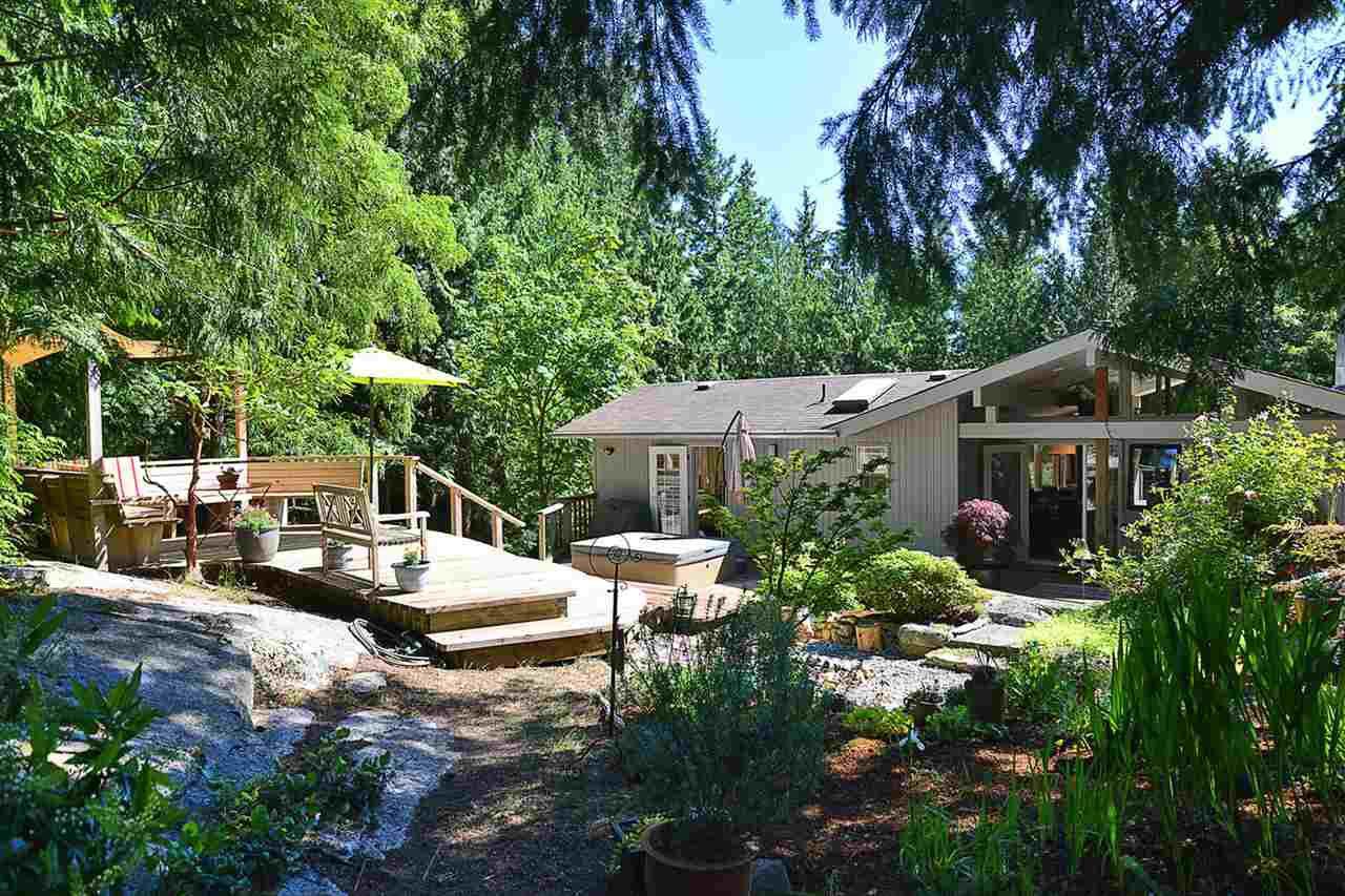 Main Photo: 3194 HANSEN Road: Roberts Creek House for sale (Sunshine Coast)  : MLS®# R2181582