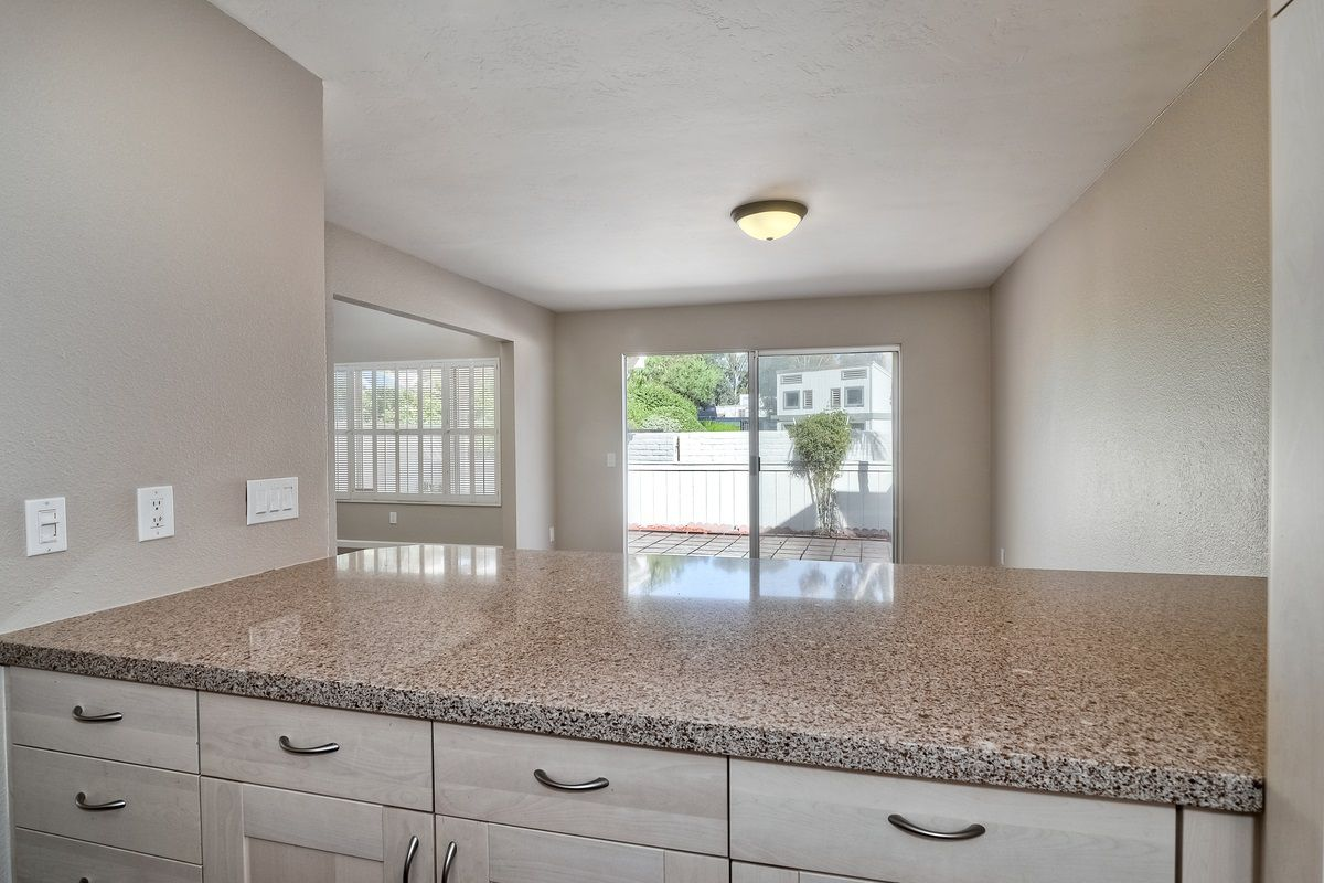 Photo 12: Photos: SCRIPPS RANCH Condo for sale : 3 bedrooms : 9973 Caminito Tomatillo in San Diego