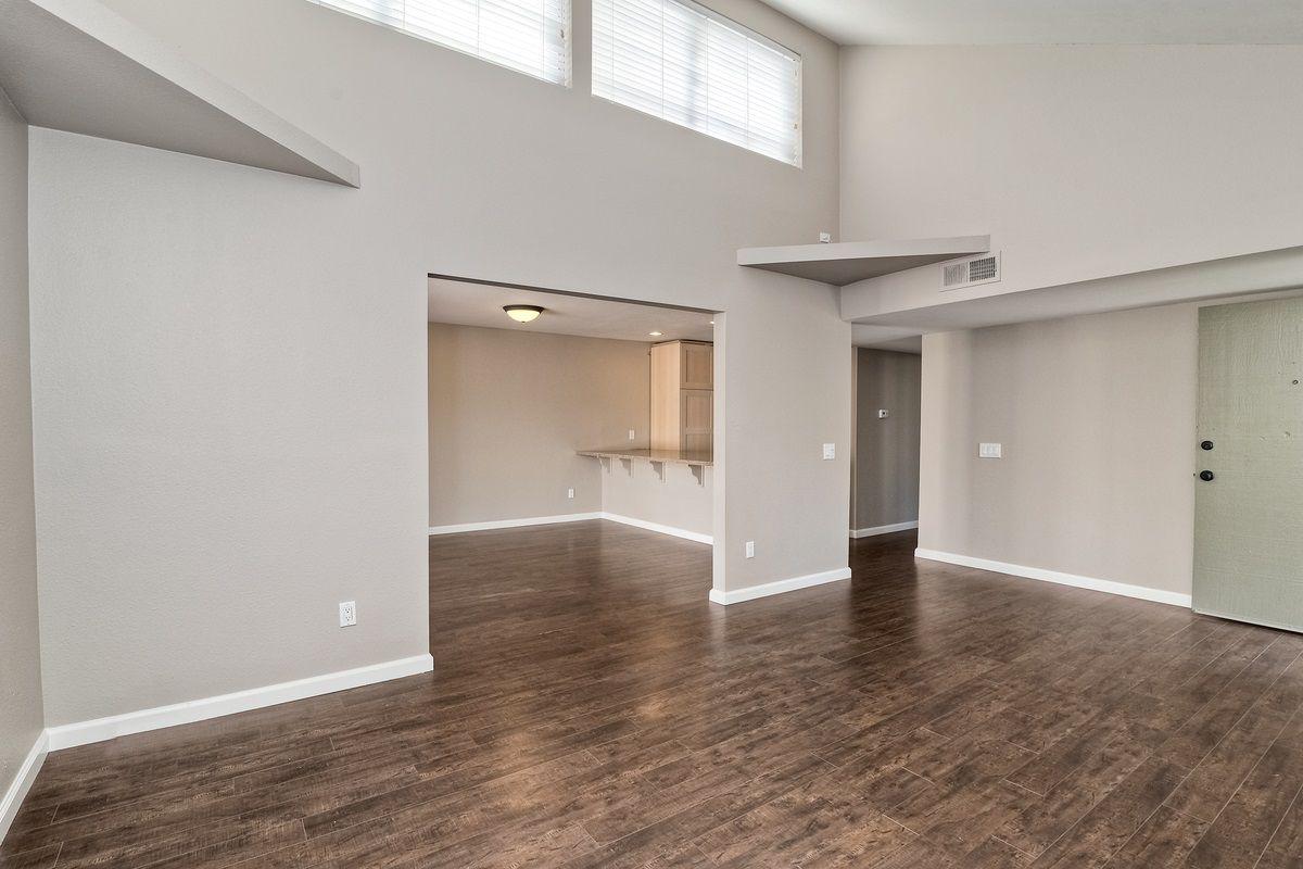 Photo 2: Photos: SCRIPPS RANCH Condo for sale : 3 bedrooms : 9973 Caminito Tomatillo in San Diego