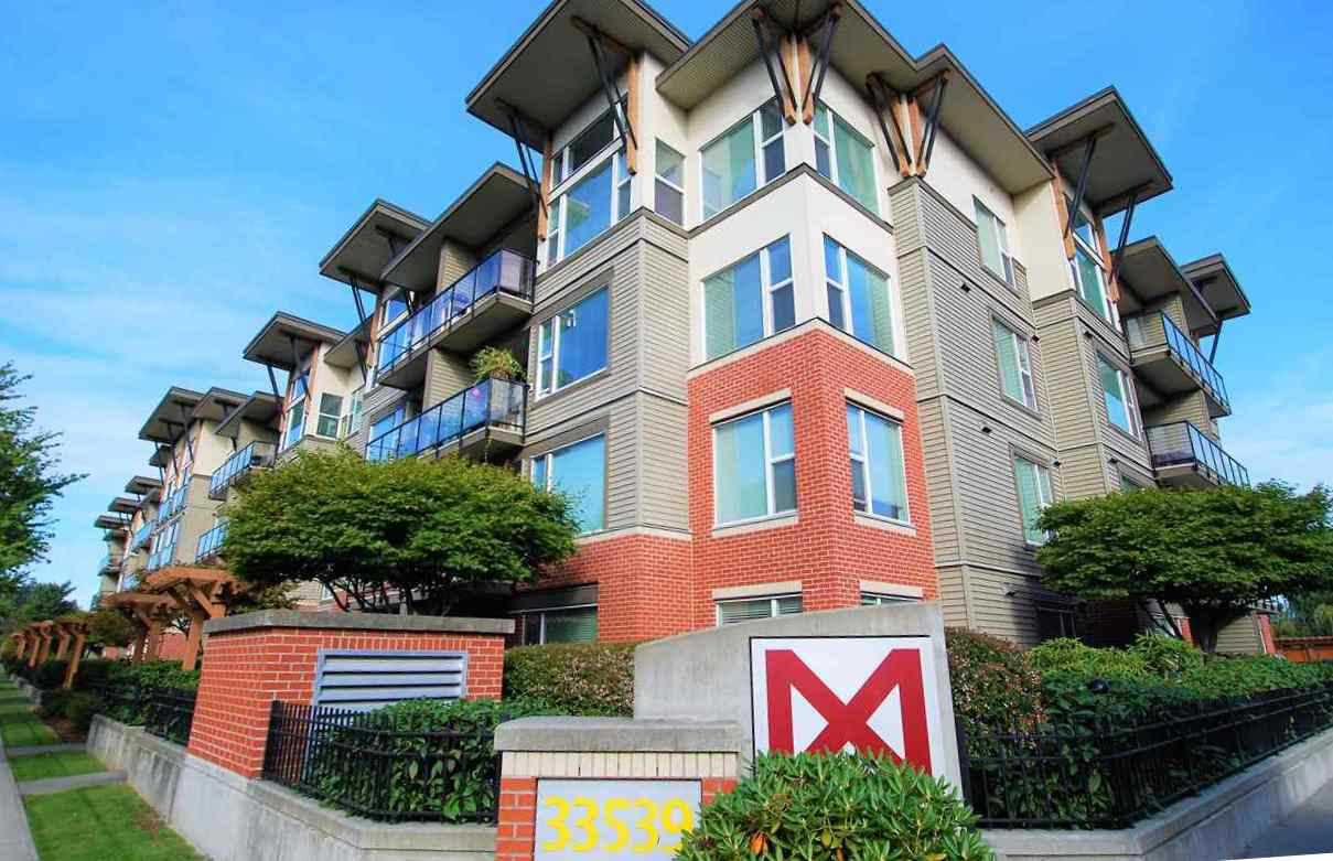 """Main Photo: 220 33539 HOLLAND Avenue in Abbotsford: Central Abbotsford Condo for sale in """"THE CROSSING - LUXURY APARTMENT"""" : MLS®# R2196035"""