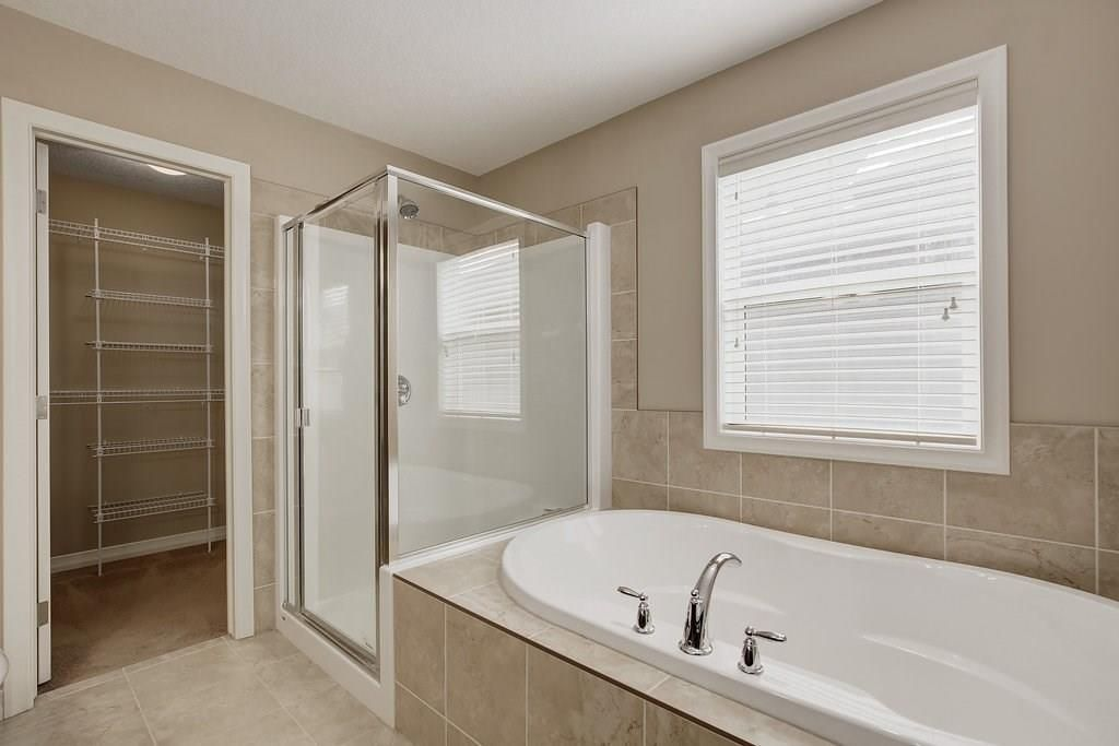 Photo 21: Photos: 265 AUBURN GLEN Manor SE in Calgary: Auburn Bay House for sale : MLS®# C4181161