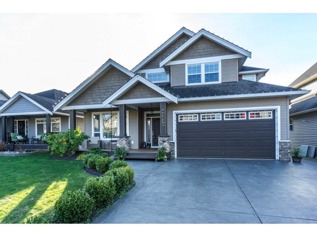 """Main Photo: 44436 BAYSHORE Avenue in Sardis: Vedder S Watson-Promontory House for sale in """"Webster Landing"""" : MLS®# R2336159"""