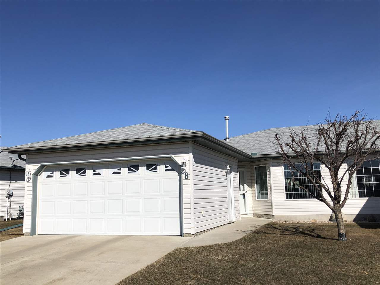 Main Photo: 8 5714 50 Street: Wetaskiwin House Half Duplex for sale : MLS®# E4142670