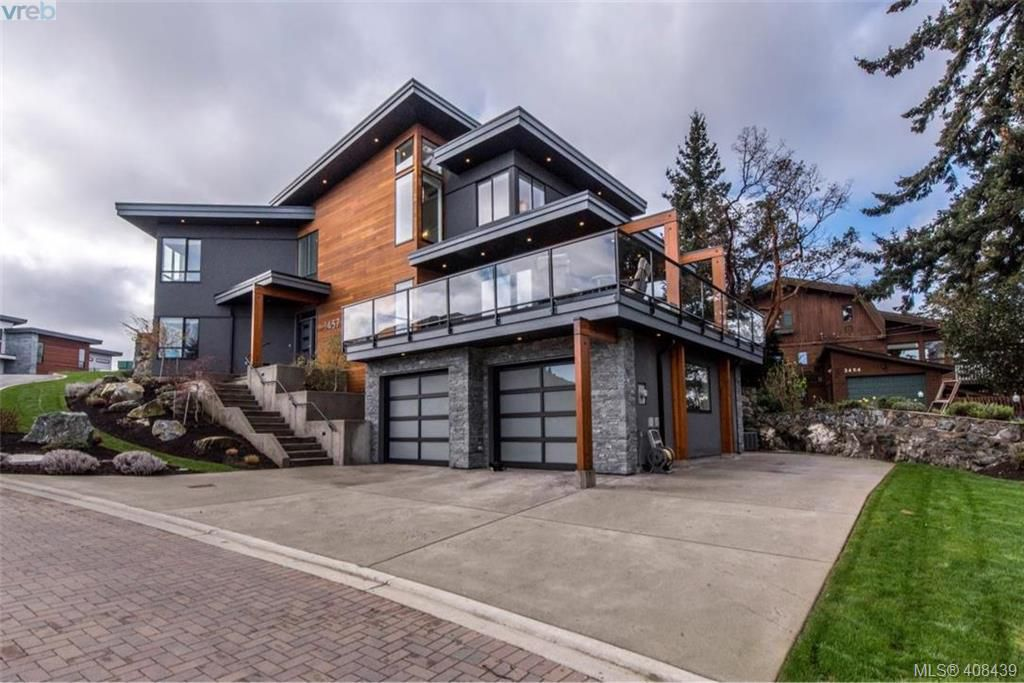 Main Photo: 3457 Vantage Point in VICTORIA: Co Triangle Single Family Detached for sale (Colwood)  : MLS®# 408439