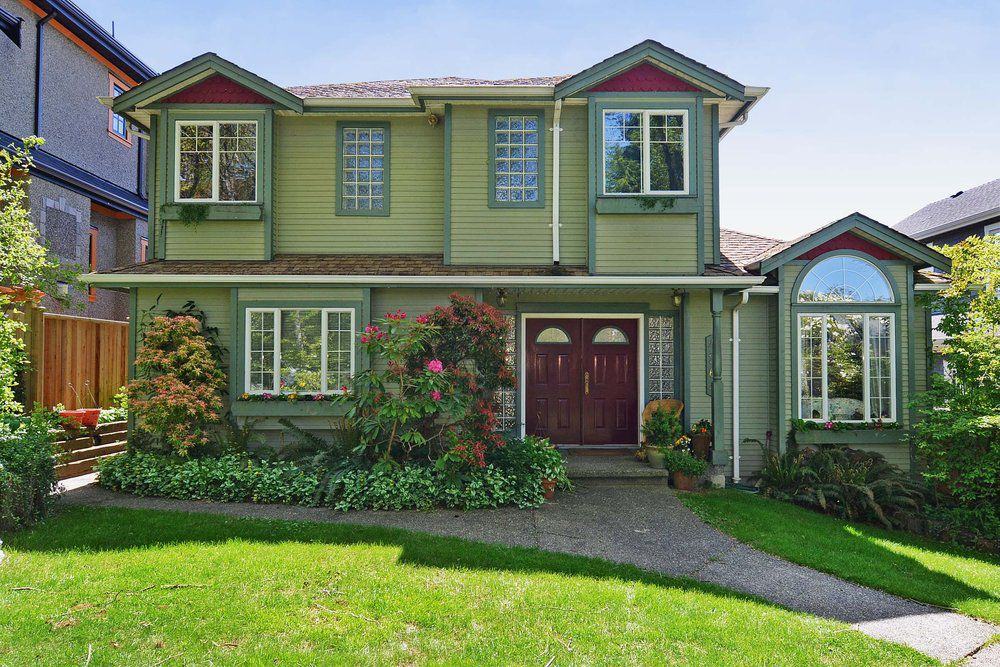 Main Photo: 4264 West 13th Avenue in Vancouver: Home for sale : MLS®# V1005313