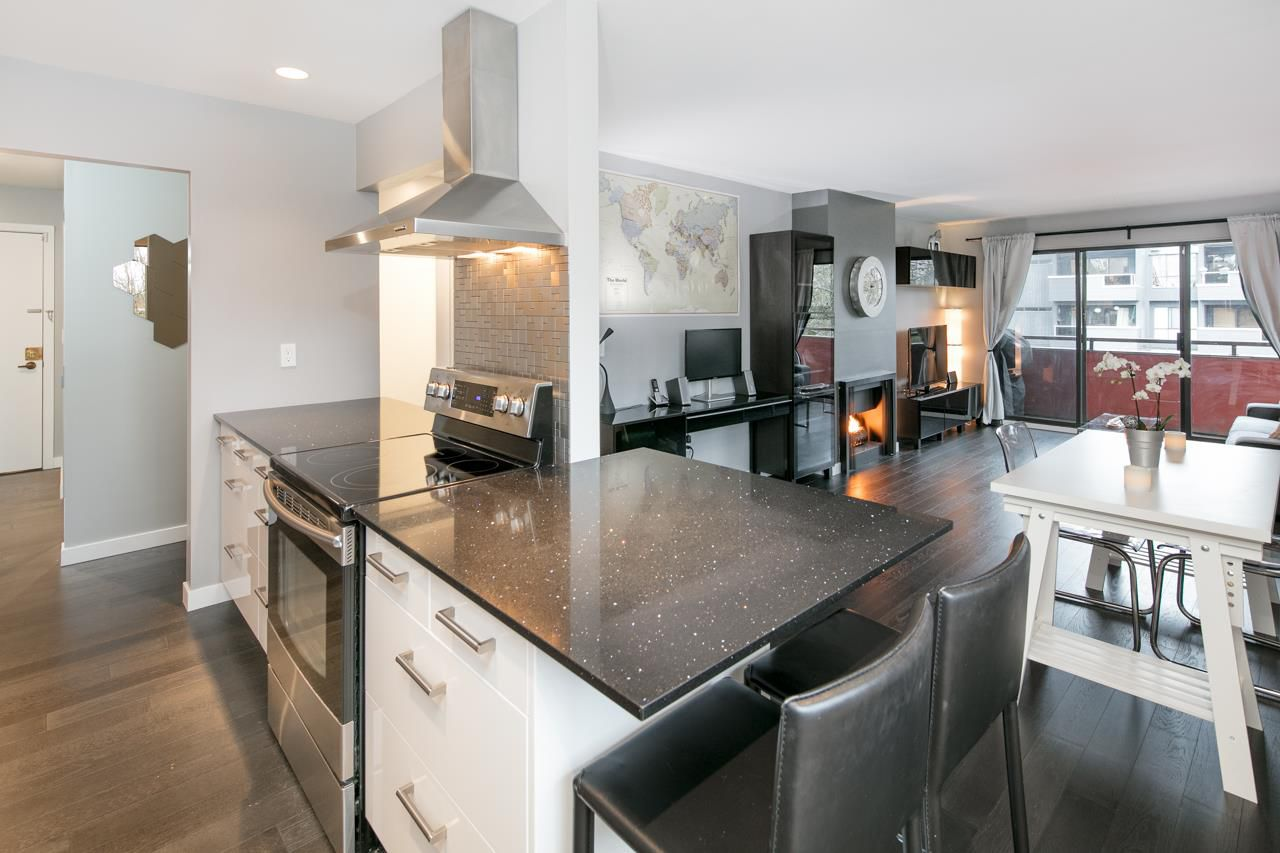 Main Photo: 305 2935 SPRUCE Street in Vancouver: Fairview VW Condo for sale (Vancouver West)  : MLS®# R2129015