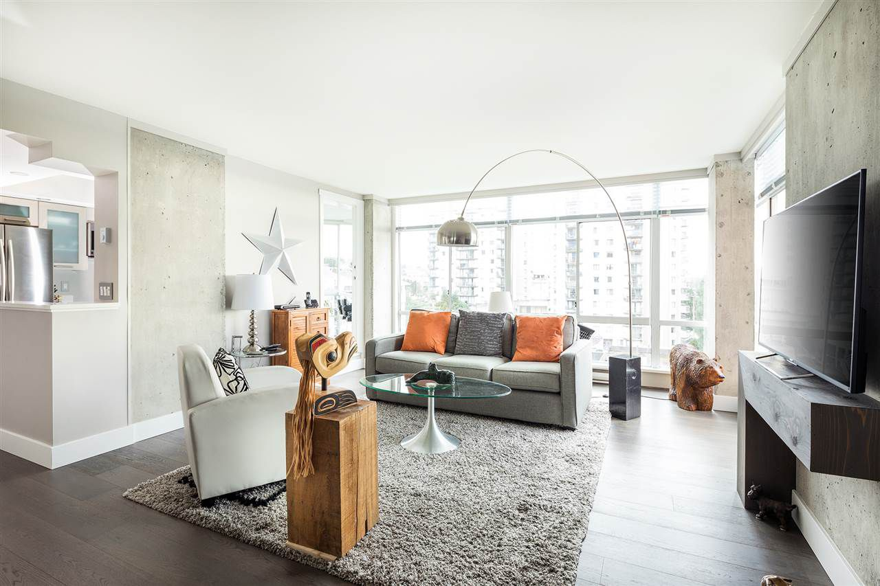 Main Photo: 802 130 E 2ND Street in North Vancouver: Lower Lonsdale Condo for sale : MLS®# R2133512