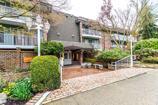 """Main Photo: 313 3875 W 4TH Avenue in Vancouver: Point Grey Condo for sale in """"LANDMARK JERICHO"""" (Vancouver West)  : MLS®# R2156496"""