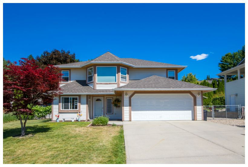 Main Photo: 1911 Northeast 2nd Avenue in Salmon Arm: Central House for sale : MLS®# 10138801