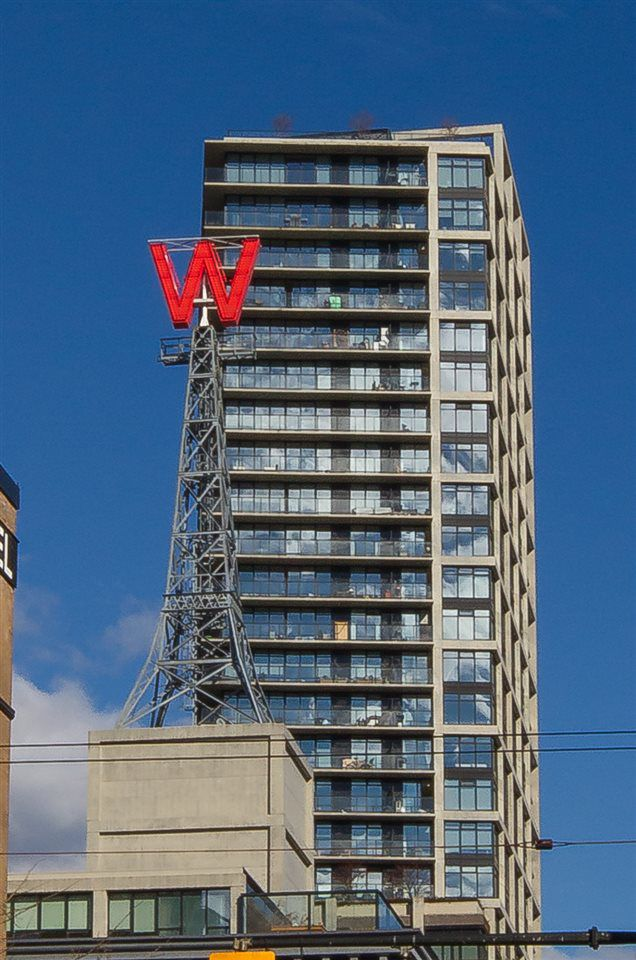 """Main Photo: 1603 108 W CORDOVA Street in Vancouver: Downtown VW Condo for sale in """"WOODWARDS"""" (Vancouver West)  : MLS®# R2206728"""
