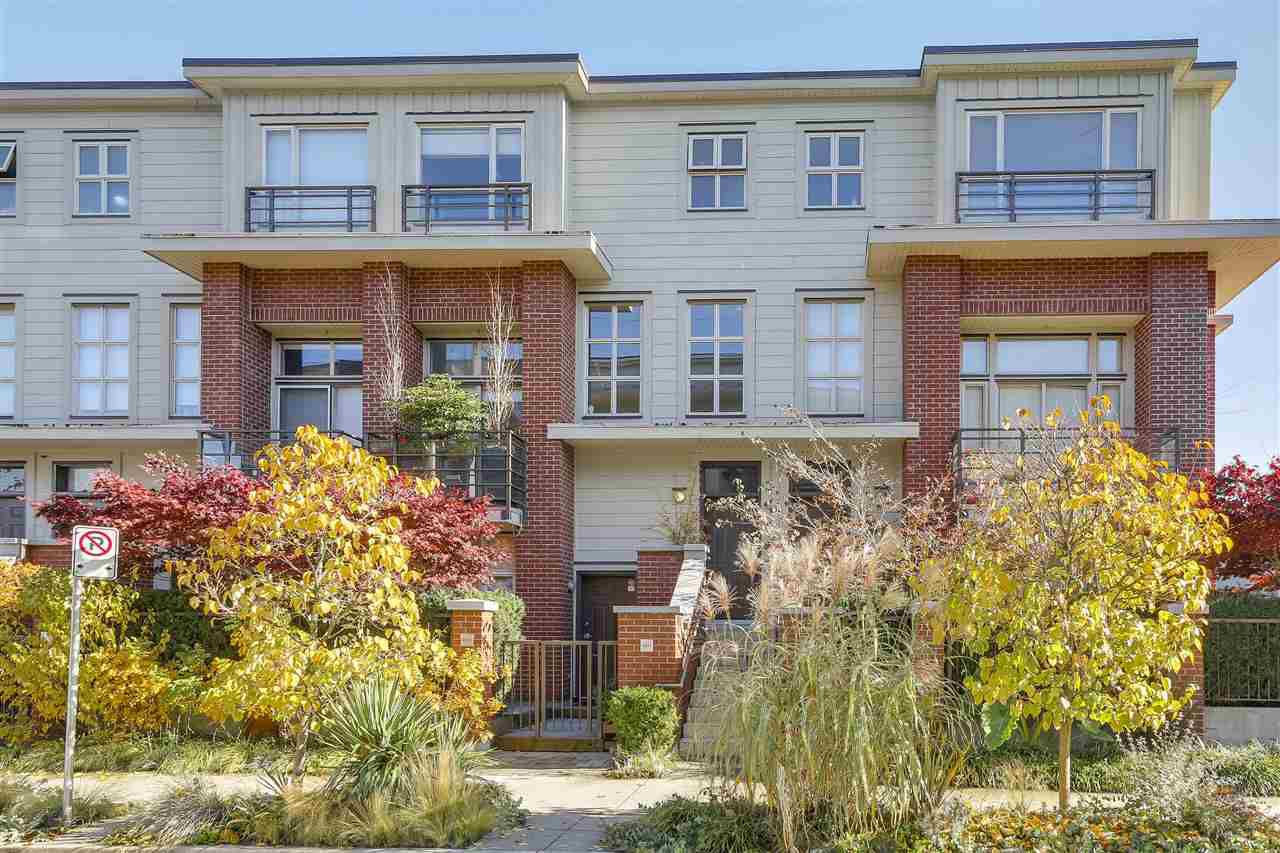 "Main Photo: 2838 WATSON Street in Vancouver: Mount Pleasant VE Townhouse for sale in ""DOMAIN TOWNHOMES"" (Vancouver East)  : MLS®# R2218278"