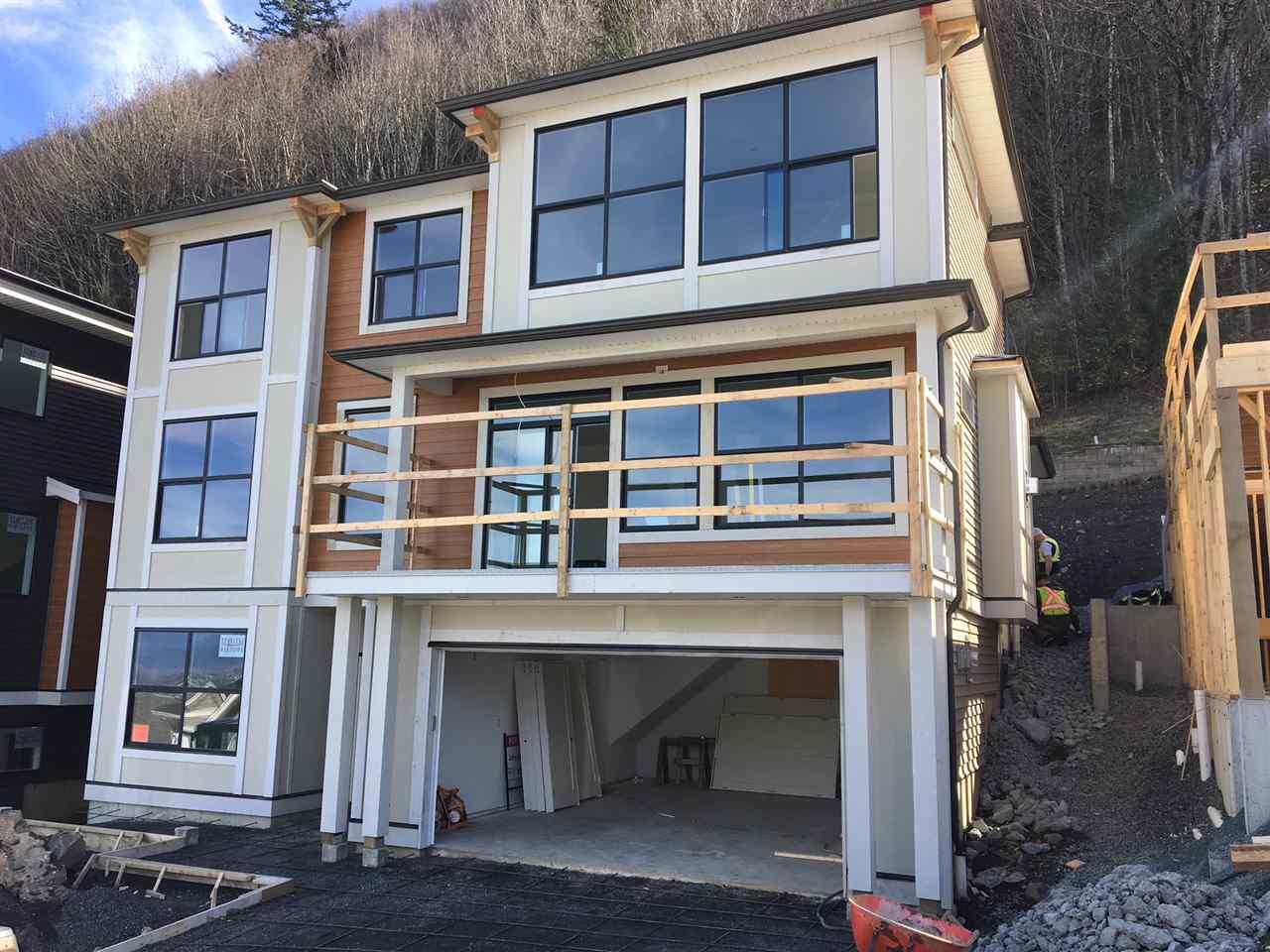 "Main Photo: 47214 SYLVAN Drive in Sardis: Promontory House for sale in ""SOLARA"" : MLS®# R2245784"