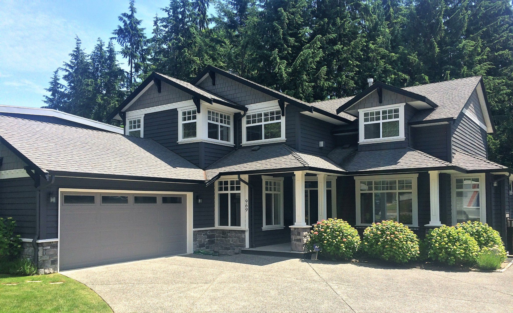 Main Photo: 969 BELVEDERE Drive in North Vancouver: Canyon Heights NV House for sale : MLS®# R2274922