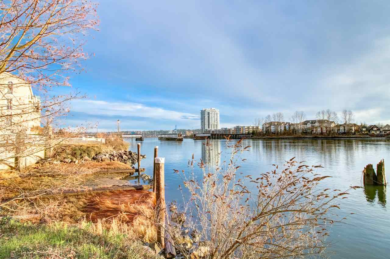 "Main Photo: 411 6 RENAISSANCE Square in New Westminster: Quay Condo for sale in ""RIALTO"" : MLS®# R2330938"