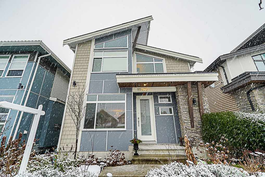 Main Photo: 19479 72 Avenue in Surrey: Clayton House for sale (Cloverdale)  : MLS®# R2341926