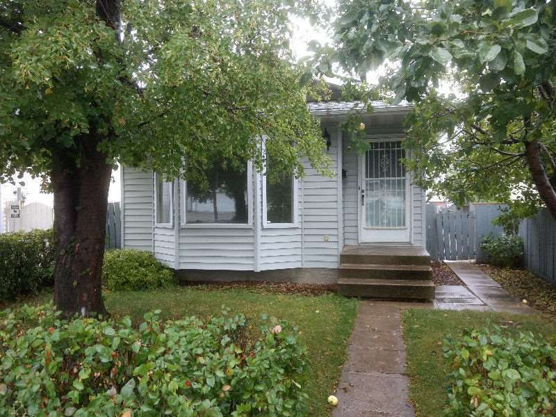Main Photo:  in Edmonton: Zone 28 House for sale : MLS®# E4136347