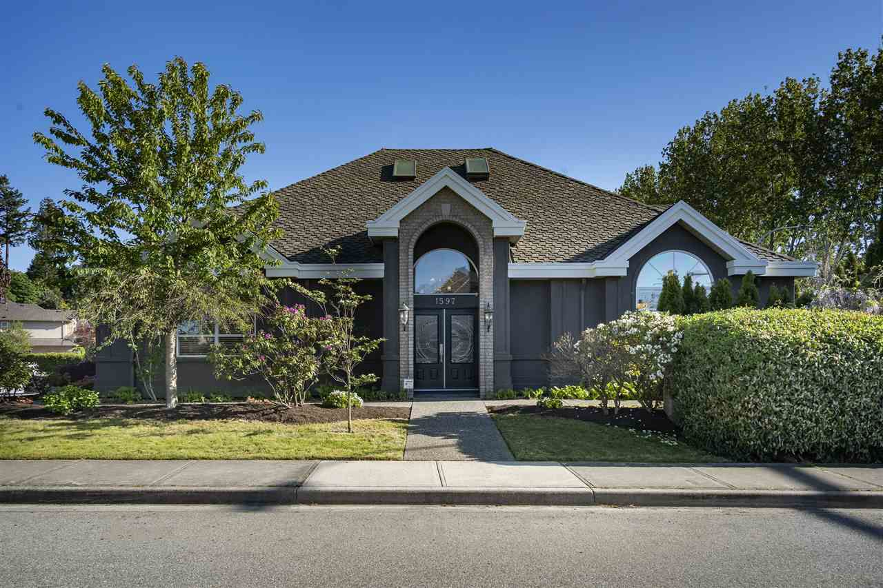 "Main Photo: 1597 GOLF CLUB Drive in Delta: Cliff Drive House for sale in ""Cliff Drive"" (Tsawwassen)  : MLS®# R2370881"