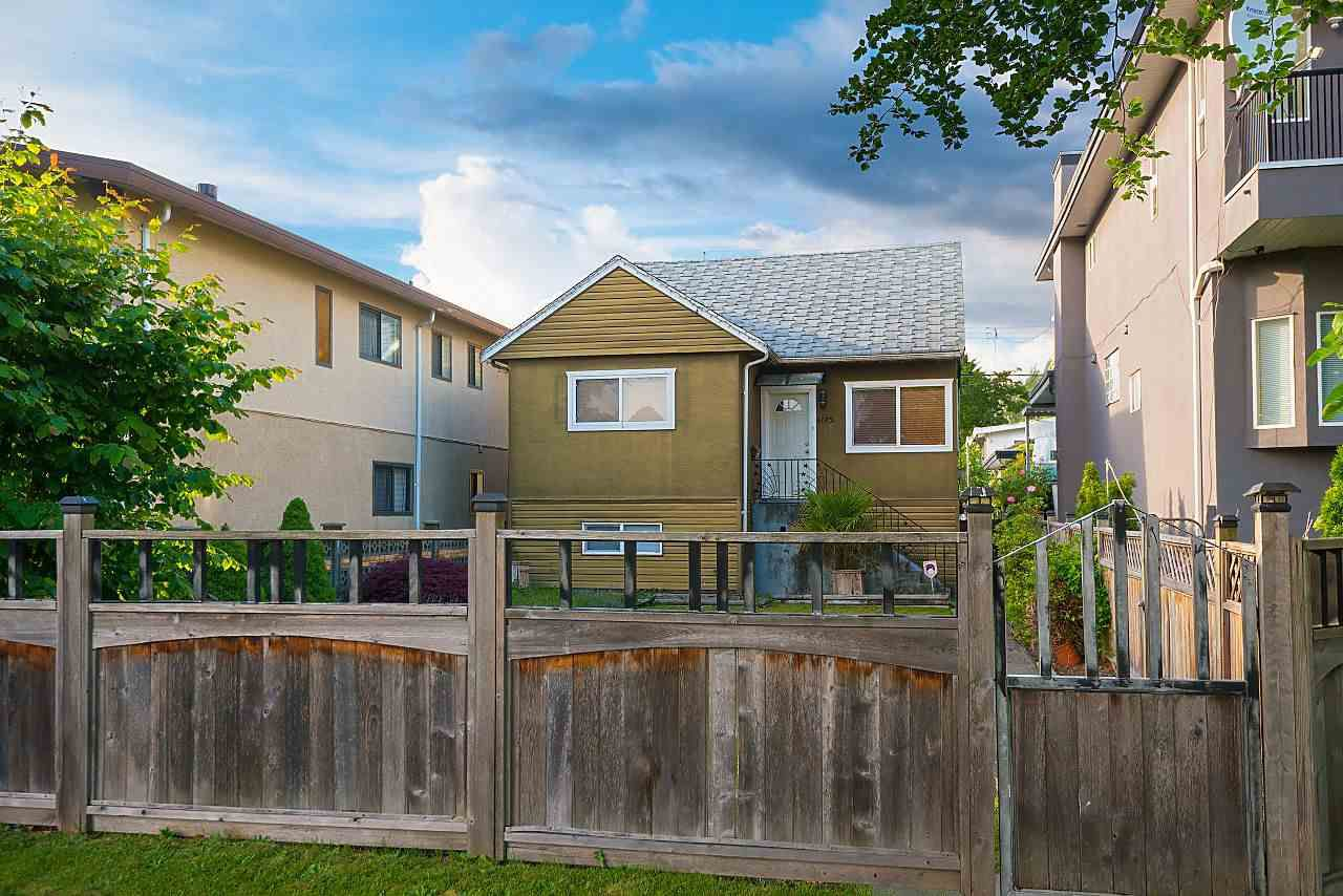 Main Photo: 4175 UNION Street in Burnaby: Willingdon Heights House for sale (Burnaby North)  : MLS®# R2378787