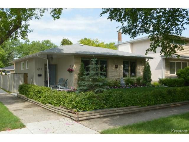 Main Photo: 833 Montrose Street in WINNIPEG: River Heights / Tuxedo / Linden Woods Residential for sale (South Winnipeg)  : MLS®# 1515881