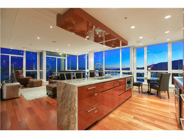 """Main Photo: 2003 138 ESPLANADE Avenue in North Vancouver: Lower Lonsdale Condo for sale in """"PREMIERE AT THE PIER"""" : MLS®# V1129199"""