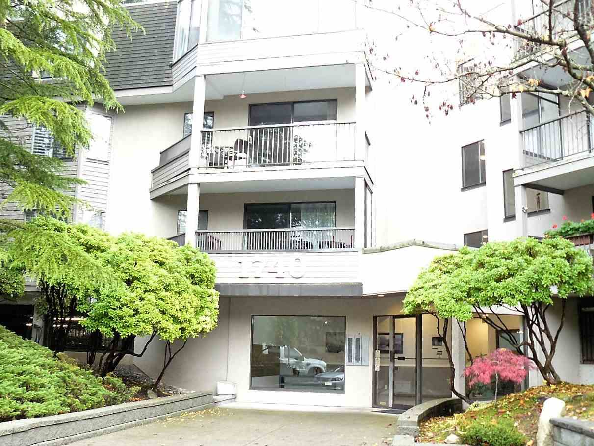 """Main Photo: 215 1740 SOUTHMERE Crescent in Surrey: Sunnyside Park Surrey Condo for sale in """"Spinnaker Phase II"""" (South Surrey White Rock)  : MLS®# R2120817"""