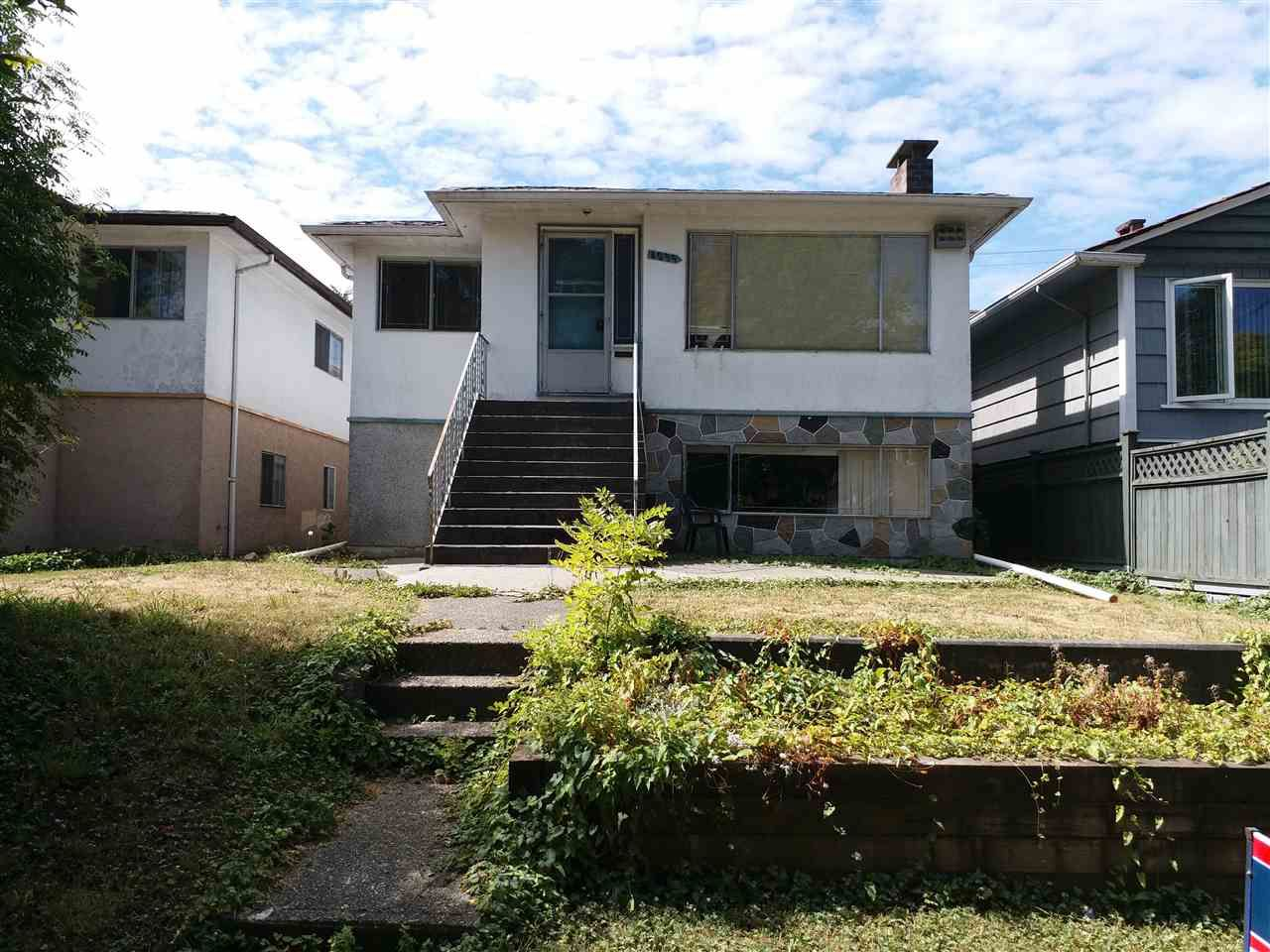 """Main Photo: 4039 BEATRICE Street in Vancouver: Victoria VE House for sale in """"VICTORIA"""" (Vancouver East)  : MLS®# R2197152"""