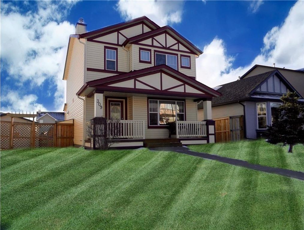Main Photo: 309 DRAKE LANDING CL: Okotoks House for sale : MLS®# C4132769
