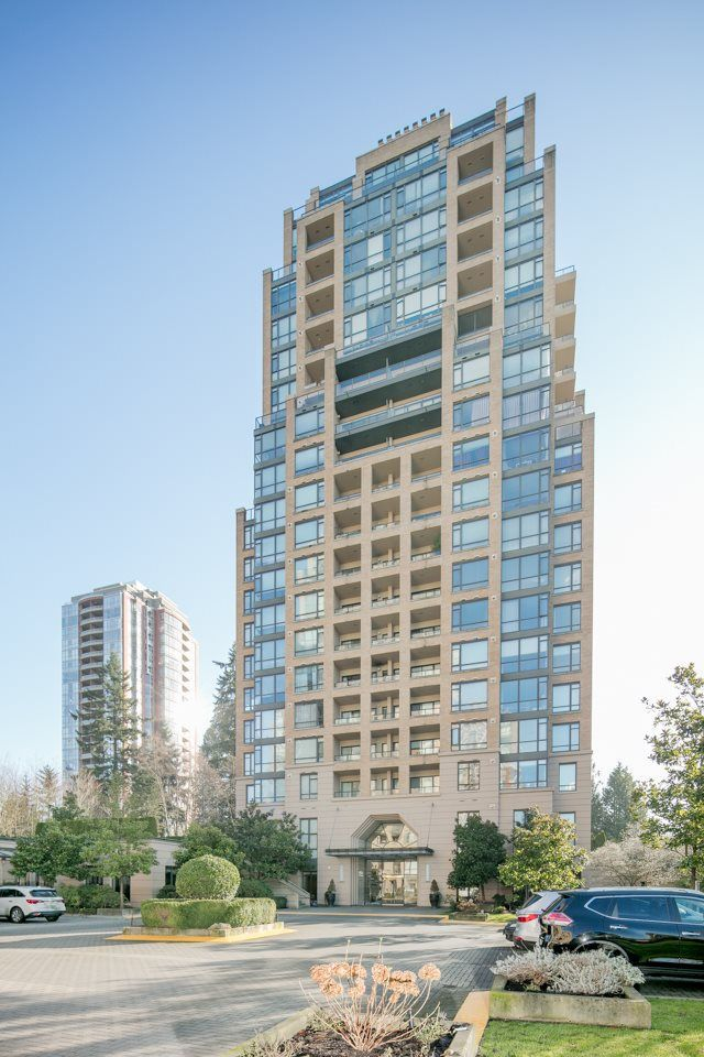 Main Photo: 303 7388 SANDBORNE Avenue in Burnaby: South Slope Condo for sale (Burnaby South)  : MLS®# R2243982