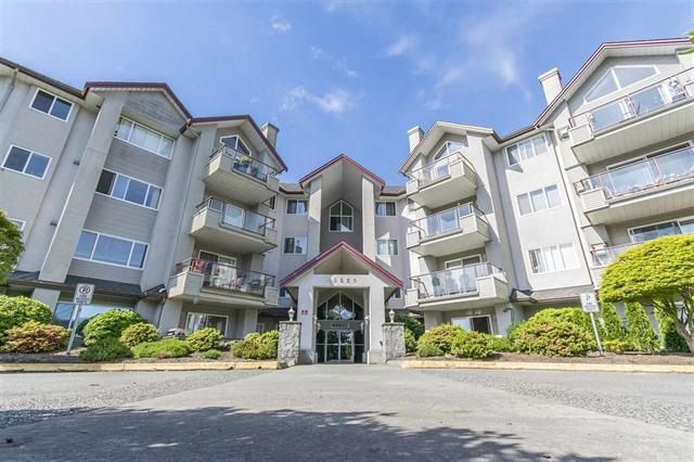 "Main Photo: 210 45520 KNIGHT Road in Sardis: Sardis West Vedder Rd Condo for sale in ""Morningside"" : MLS®# R2269678"