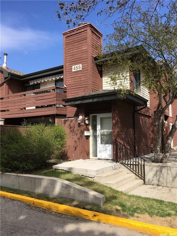 Main Photo: 204 455 Pendygrasse Road in Saskatoon: Fairhaven Residential for sale : MLS®# SK738095