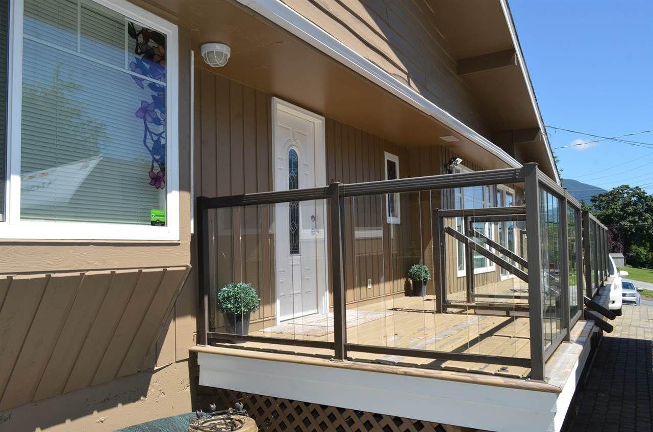 "Main Photo: 7851 MANSON Street in Mission: Hatzic House for sale in ""HATZIC"" : MLS®# R2287965"