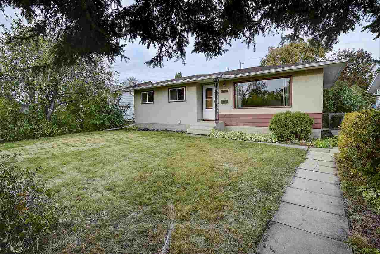 Main Photo: 8412 68A Street in Edmonton: Zone 18 House for sale : MLS®# E4131226