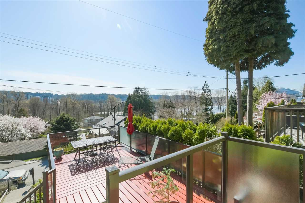 Main Photo: 353 CLARENCE Street in Port Moody: North Shore Pt Moody House for sale : MLS®# R2355501