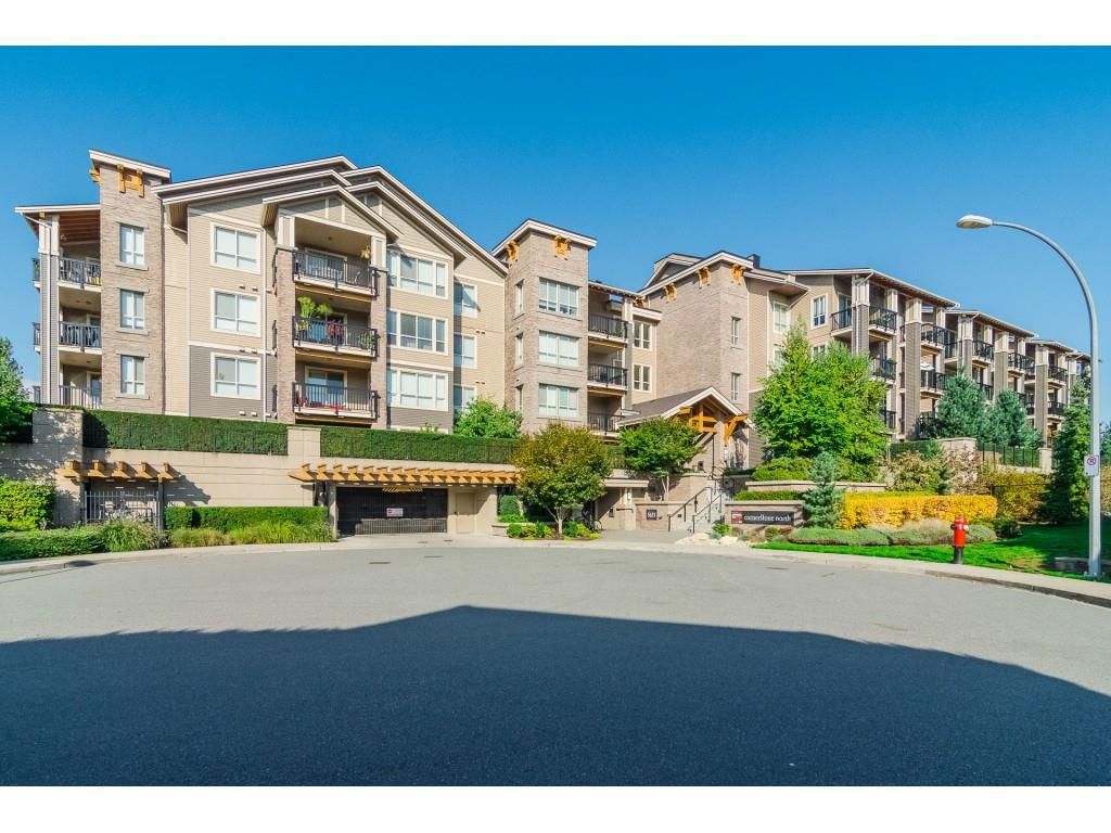 Main Photo: 322 5655 210A Street in Langley: Salmon River Condo for sale : MLS®# R2384803