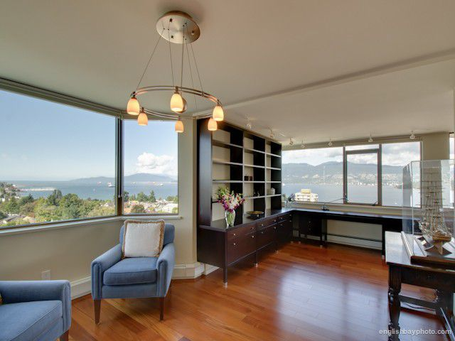 Main Photo: 1101 2445 West 3rd Avenue in Vancouver: Condo for sale : MLS®# V970538