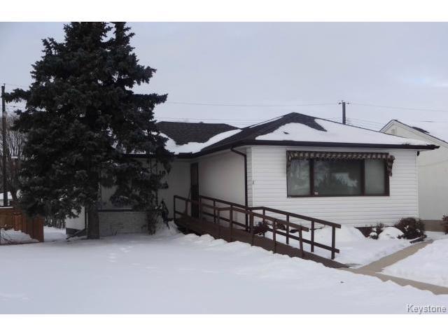 Main Photo: 19 Royal Crescent in WINNIPEG: West Kildonan / Garden City Residential for sale (North West Winnipeg)  : MLS®# 1325779