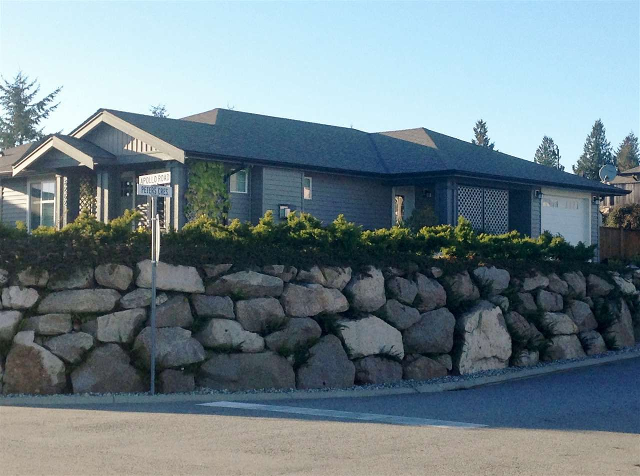 Main Photo: 6262 APOLLO Road in Sechelt: Sechelt District House for sale (Sunshine Coast)  : MLS®# V1137721