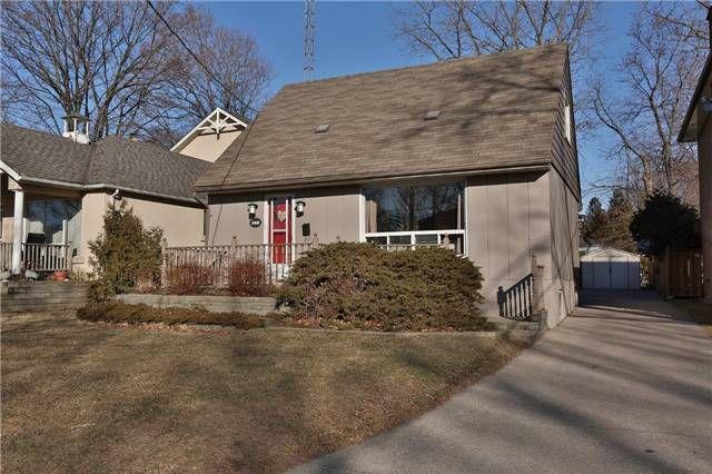 Main Photo: 568 Horner Avenue in Toronto: Alderwood House (1 1/2 Storey) for sale (Toronto W06)  : MLS®# W3422459