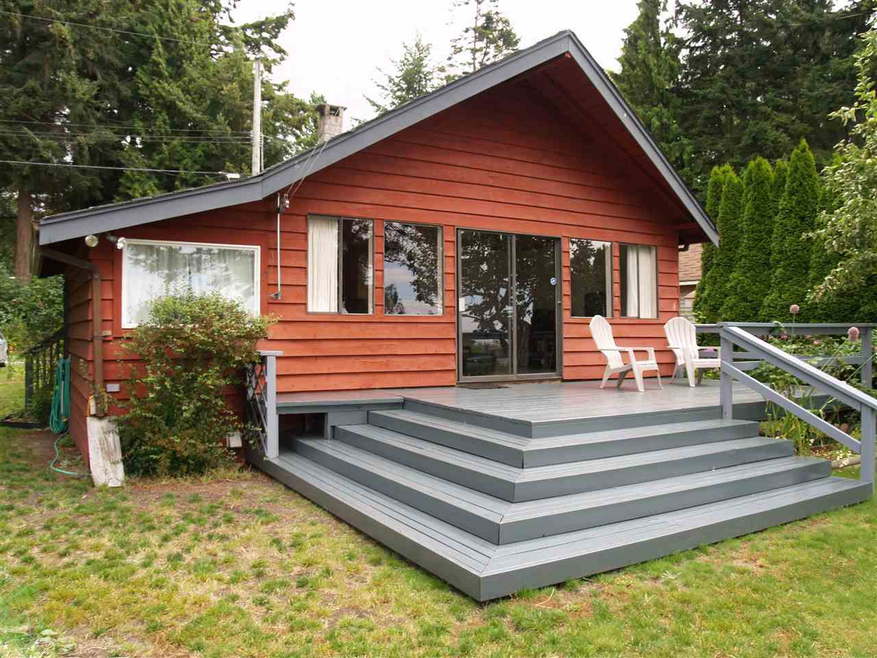 Beautiful low bank cottage on Stalashen drive just south of Davis bay on the Sunshine Coast.