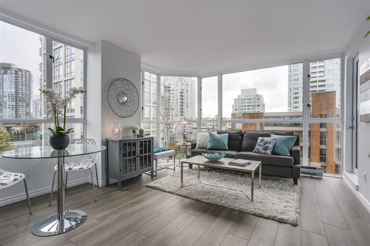 """Main Photo: 401 888 PACIFIC Street in Vancouver: Yaletown Condo for sale in """"PACIFIC PROMENADE"""" (Vancouver West)  : MLS®# R2118595"""