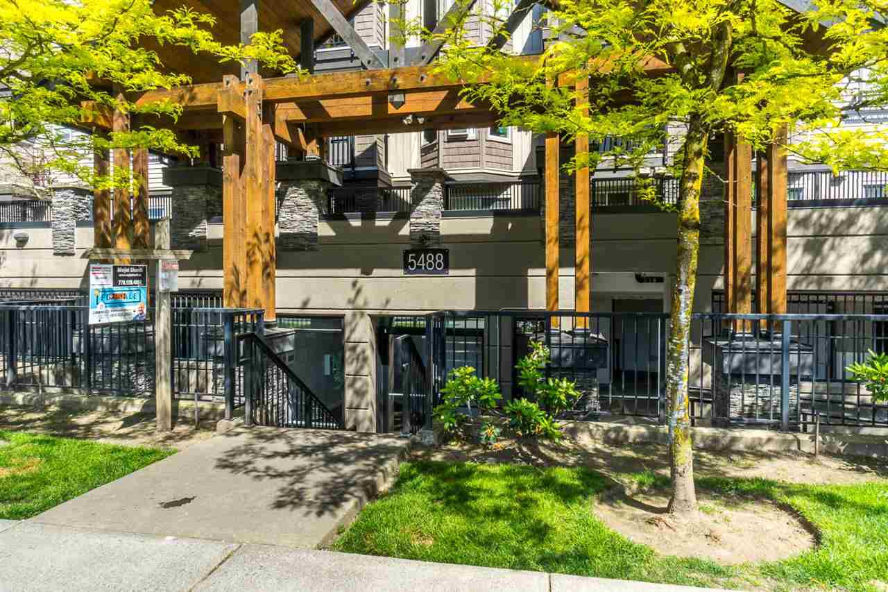 "Main Photo: 112 5488 198 Street in Langley: Langley City Condo for sale in ""BROOKLYN WYND"" : MLS®# R2171426"