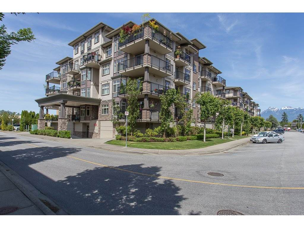 "Main Photo: 301 9060 BIRCH Street in Chilliwack: Chilliwack W Young-Well Condo for sale in ""ASPEN GROVE"" : MLS®# R2181061"