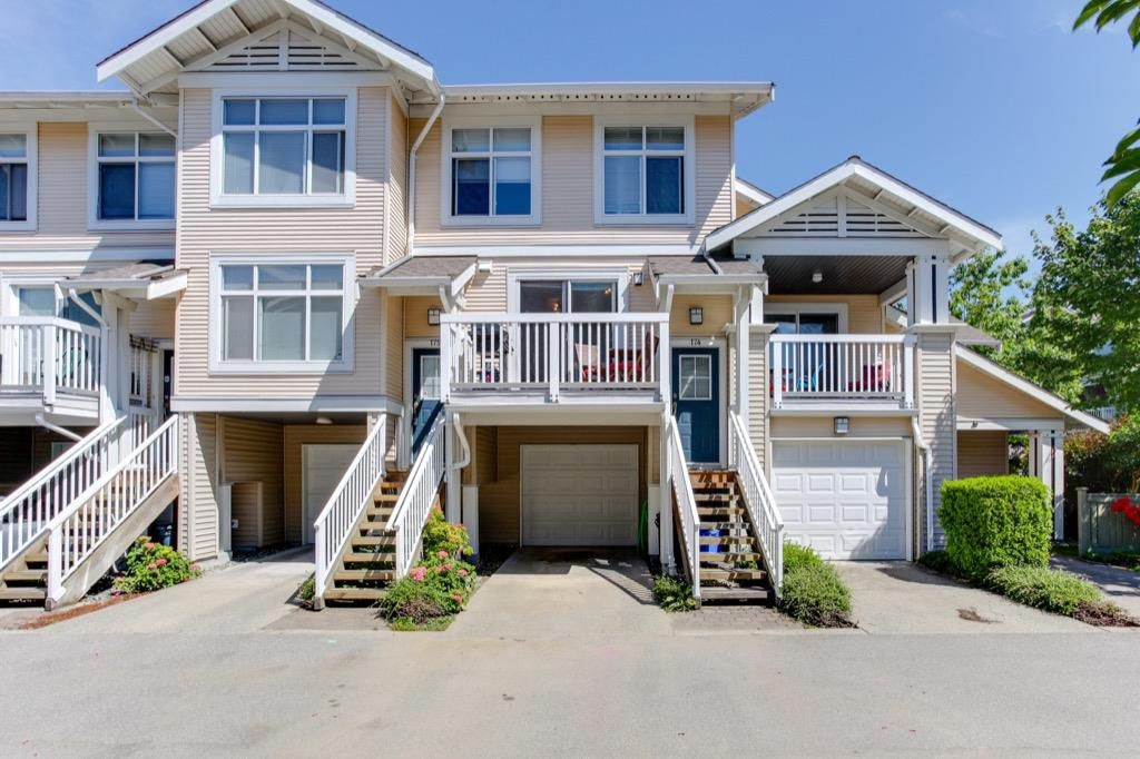 Main Photo: 174 20033 70 Avenue in Langley: Willoughby Heights Townhouse for sale : MLS®# R2185208