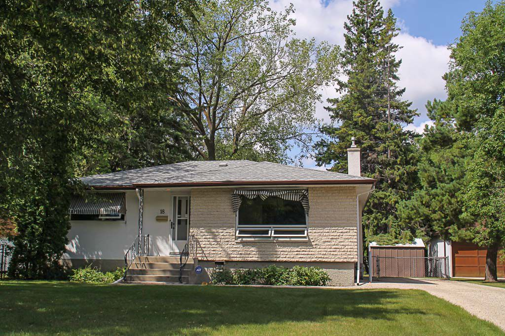 Main Photo: 18 Del Rio Place in Winnipeg: Fraser's Grove Residential for sale (3C)  : MLS®# 1721942