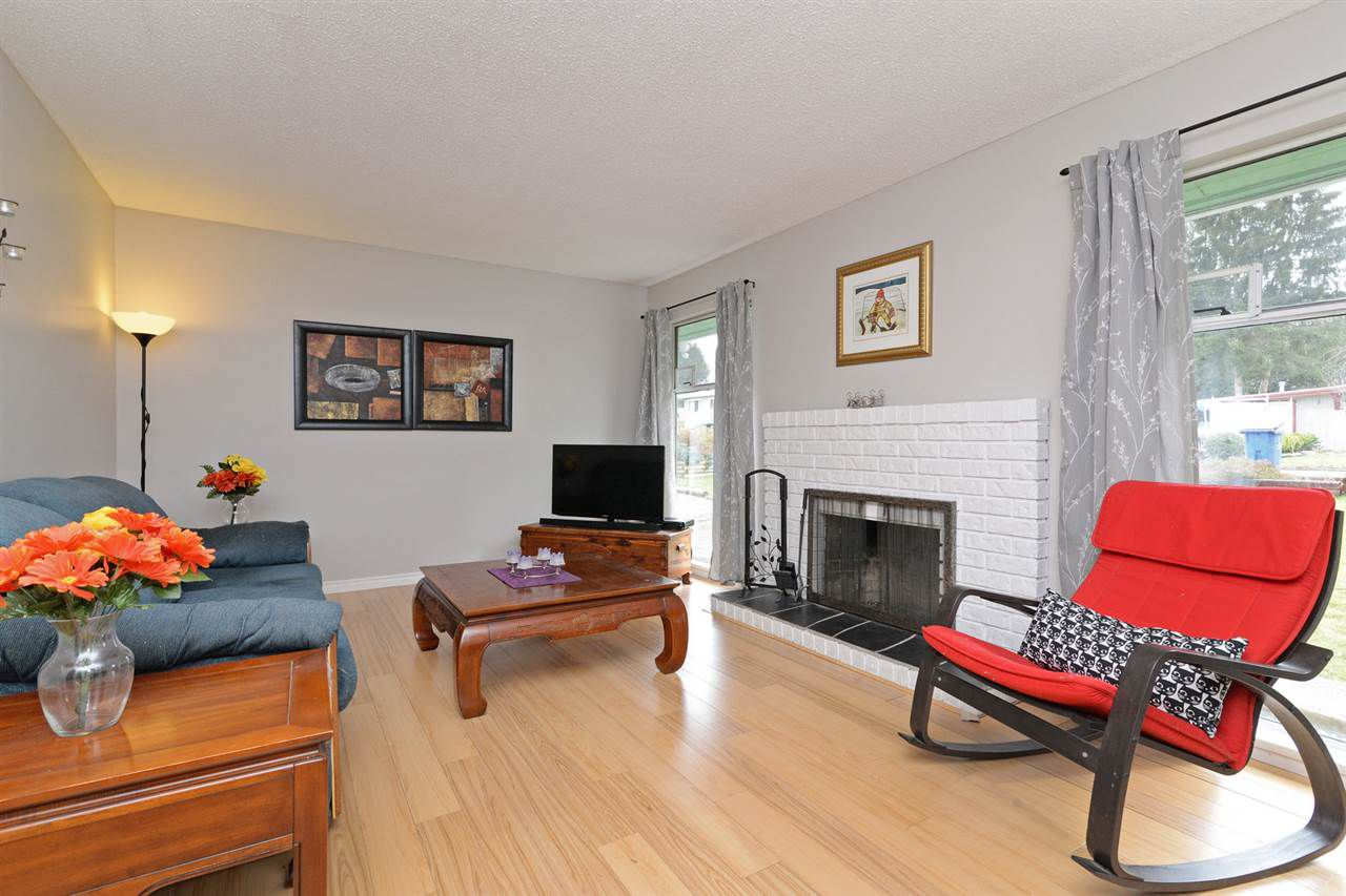 Main Photo: 22953 ROGERS Avenue in Maple Ridge: East Central House for sale : MLS®# R2246573